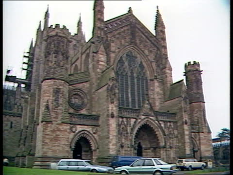 vídeos de stock e filmes b-roll de mappa mundi; itn lib england: hereford cathedral tcms detail of 'mappa mundi' pull out framed map ext cathedral building and entrance gv building and... - mapa múndi