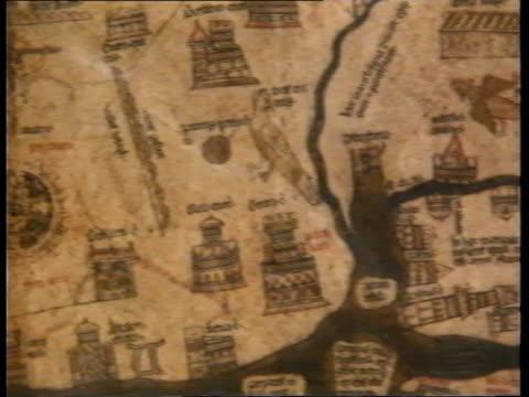 vídeos de stock e filmes b-roll de mappa mundi; itn tcms copy of prospectus for shares in mappa mundi leafed through tcms print of map tcms detail of map l-r city of london cms piers... - mapa múndi