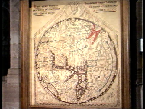 vídeos de stock e filmes b-roll de mappa mundi share selll off; hereford map on display - mapa múndi