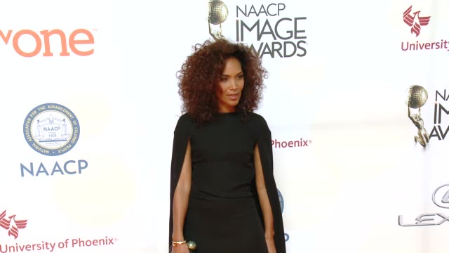 stockvideo's en b-roll-footage met mara brock akil at the 46th annual naacp image awards - arrivals at pasadena civic auditorium on february 06, 2015 in pasadena, california. - pasadena civic auditorium
