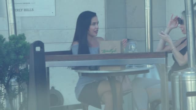 Mara Teigen grabs a quick bite before shopping in Beverly Hills in Celebrity Sightings in Los Angeles