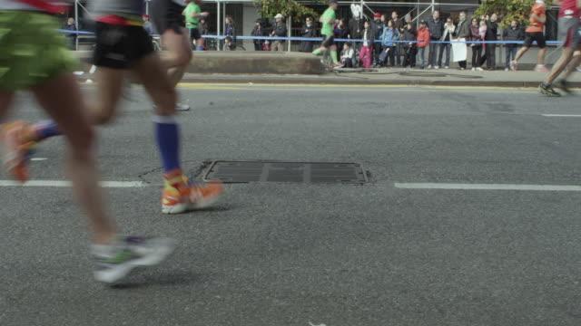 nyc marathon 2013 - 2013 stock-videos und b-roll-filmmaterial