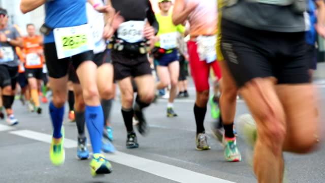 marathon laufen audio - marathon stock-videos und b-roll-filmmaterial