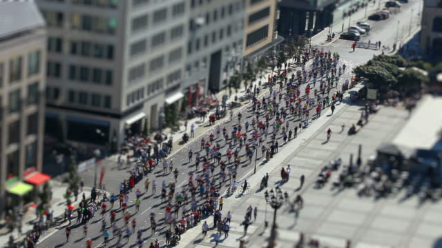 marathon running with tilt shift effect - tilt stock videos and b-roll footage