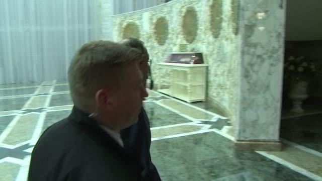 stockvideo's en b-roll-footage met marathon talks in belarus have secured a ceasefire in ukraines war with pro russian separatists leaders said thursday after negotiations through the... - staakt het vuren
