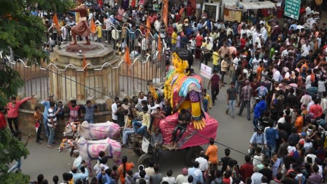 vidéos et rushes de marbat festival procession, nagpur, maharashtra, india. - spiritualité