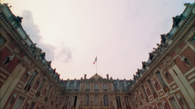 ms, td, marble courtyard at palace of versailles, france - chateau de versailles stock videos and b-roll footage