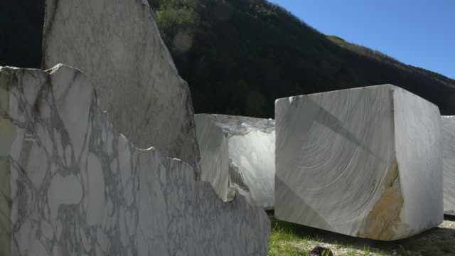 marble industry, fantiscritti quarry near carrara, apuan alps, tuscany, italy - marble rock stock videos and b-roll footage