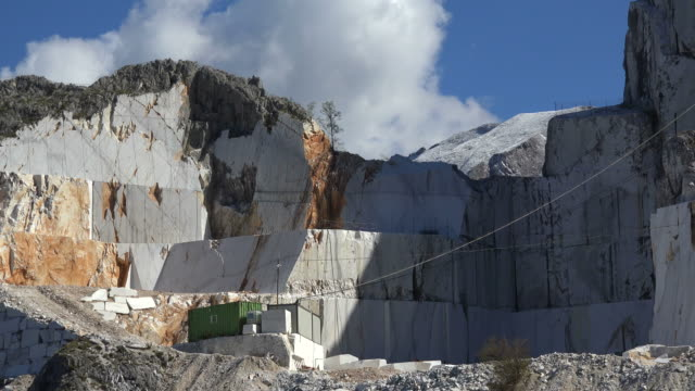 marble quarry near levigliani, apuan alps, tuscany, italy - marble rock stock videos and b-roll footage