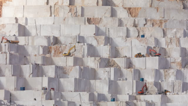 marble quarry timelapse - cava video stock e b–roll