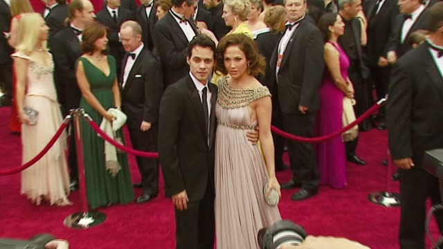 stockvideo's en b-roll-footage met marc anthony and jennifer lopez at the 2007 academy awards arrivals at the kodak theatre in hollywood california on february 25 2007 - jennifer lopez
