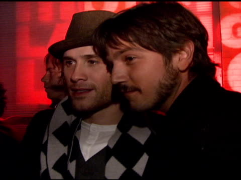 stockvideo's en b-roll-footage met marc ecko and diego luna at the motorola and nintendo present the motorola late night lounge at sundance 2008 at null in park city utah on january 19... - marc ecko
