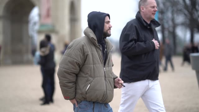 stockvideo's en b-roll-footage met marc goehring wears a hoodie sweater a puffer jacket outside kenzo during paris fashion week menswear f/w 20192020 on january 20 2019 in paris france - ski jack