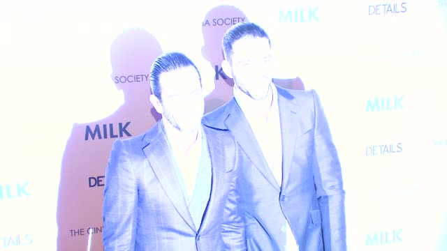 marc jacobs and guest at the 'milk' premiere at new york ny. - デザイナー マーク・ジェイコブス点の映像素材/bロール