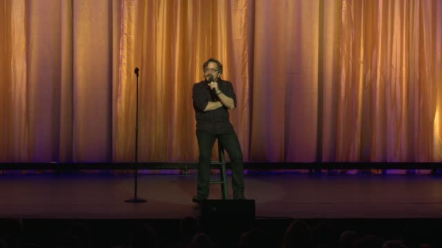 stockvideo's en b-roll-footage met speech marc maron at international myeloma foundation's 11th annual comedy celebration benefiting the peter boyle research fund at the wilshire ebell... - wilshire ebell theatre