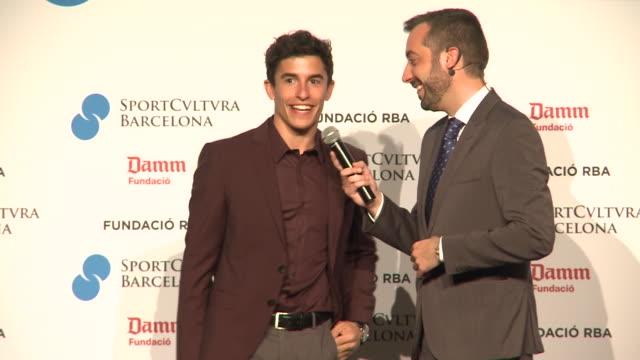 vídeos de stock, filmes e b-roll de marc márquez and other celebrities attend sport cultura awards in barcelona - campeonato esportivo