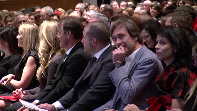 marc newson at jony and marc's auction at sotheby's on in new york city - サザビーズ点の映像素材/bロール