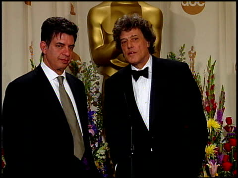 marc norman at the 1999 academy awards at the shrine auditorium in los angeles california on march 21 1999 - oscarsgalan 1999 bildbanksvideor och videomaterial från bakom kulisserna