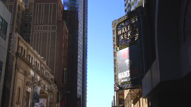 march 13: after one year epidemic of coronavirus disease, the number of visitors has still reduced around the longacre theatre in saturday afternoon... - 俳優点の映像素材/bロール