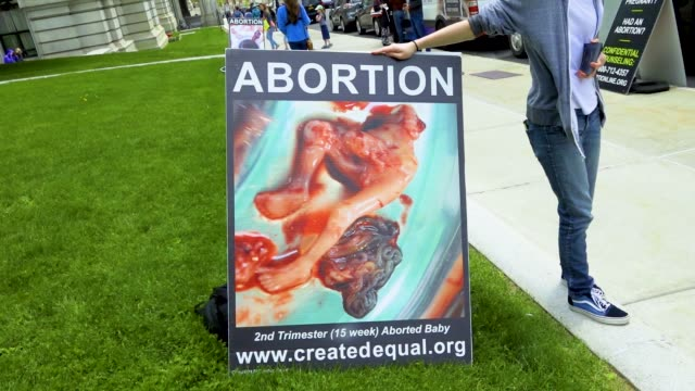 vidéos et rushes de march for life ny pro-life rally at the new york state capitol, located in albany, the capital city of the u.s. state of new york. pro life advocates... - promulguer