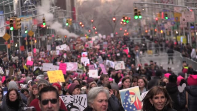200000 march in 2nd Women's March from Trump International Hotel down 6th Avenue