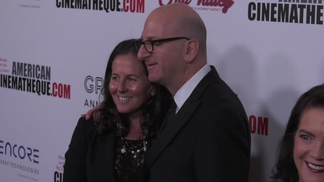 vídeos de stock e filmes b-roll de marci foster and greg foster at the 31st annual american cinematheque awards honoring amy adams at the beverly hilton hotel on november 10 2017 in... - cinemateca americana