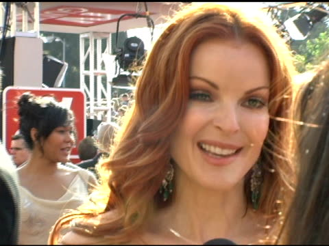 marcia cross on how much fun she and the girls are having on the lack of competition between cast mates at the 2005 emmy awards interviews at the... - cast member stock videos & royalty-free footage