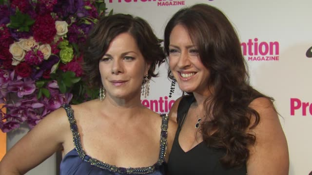vídeos de stock e filmes b-roll de marcia gay harden and joely fisher at the prevention magazine's 1st annual hollywood heroes soiree at beverly hills ca - joely fisher
