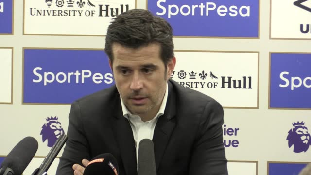 marco silva says he is happy with the team's performance and that it was a great three points for his team he also says the new additions to the hull... - キングストンアポンハル点の映像素材/bロール