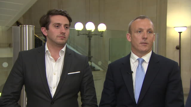 stockvideo's en b-roll-footage met marcus ball's solicitor saying his client has brought forward a private prosecution against vote leave campaigners for misleading the british public... - aanklager rechtszaak