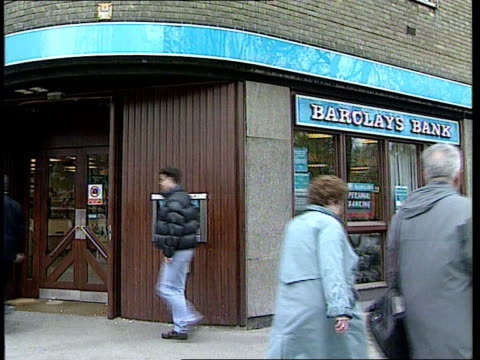 stockvideo's en b-roll-footage met mardi gra bomber lib london ext branch of barclays bank lib cash dispenser displaying warning about suspect packages - merknaam