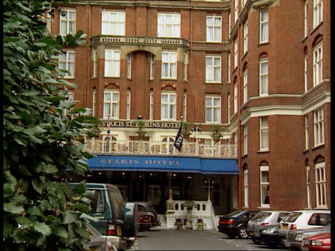 mardi gras bomber possible motives london hotel where metropolitan police held meeting about the bomber and invited victims to attend int keith bray... - gras stock videos and b-roll footage