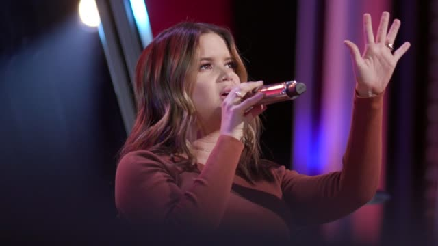 maren morris rehearsal at the 53rd annual cma awards rehearsals - day 1 at bridgestone arena on november 10, 2019 in nashville, tennessee. - 1日目点の映像素材/bロール