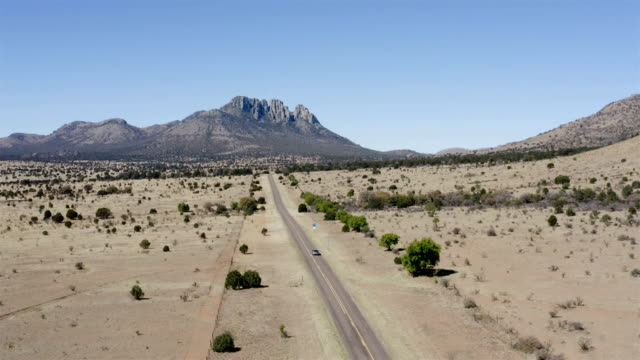 marfa and fort davis landscape aerial - clima arido video stock e b–roll
