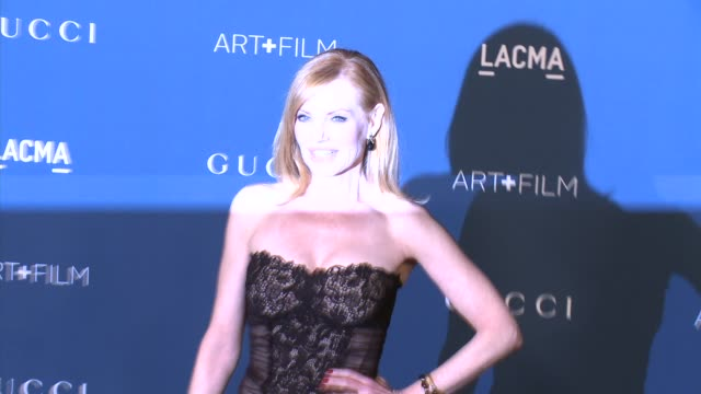 marg helgenberger at lacma hosts 2013 art + film gala honoring david hockney and martin scorsese presented by gucci in los angeles, ca 11/2/13 - marg helgenberger stock videos & royalty-free footage