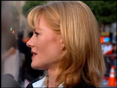 vidéos et rushes de marg helgenberger at the 'eraser' premiere at grauman's chinese theatre in hollywood, california on june 11, 1996. - gomme