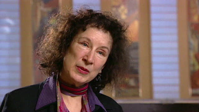 margaret atwood discusses her lack of life experience in her youth due to being brought up in a small part of canada core number andn109t aeyz198w - letteratura video stock e b–roll