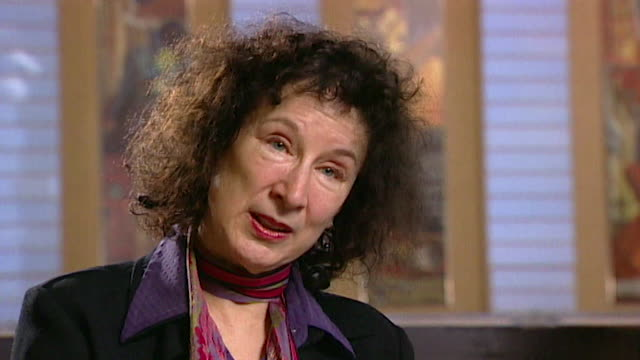 margaret atwood on her writing process core number andn109t aeyz198w - letteratura video stock e b–roll