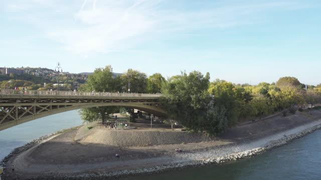 margaret island at budapest from the bridge - budapest stock-videos und b-roll-filmmaterial