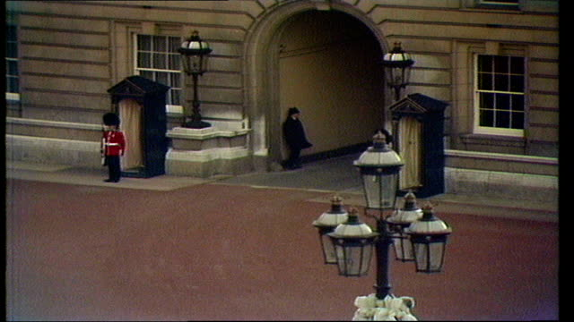 margaret thatcher becomes pm england london buckingham palace courtyard gowing report waiting for car crowd outside car leaves for downing street - buckingham palace stock videos & royalty-free footage