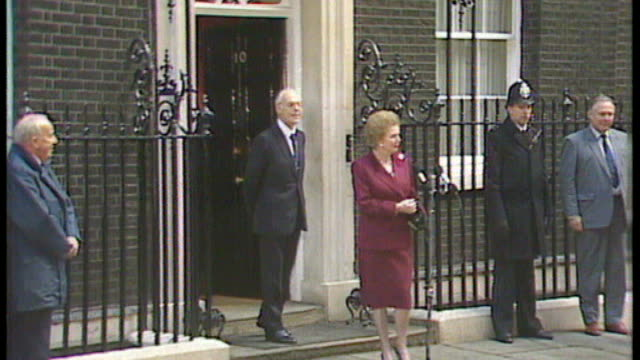 obituary 1980's int margaret thatcher standing talking with geoffrey howe mp and michael heseltine mp at 10 downing street function downing street... - 10 downing street stock videos and b-roll footage