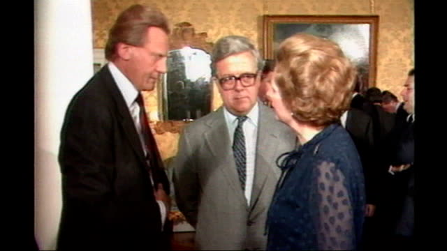 Obituary DATE Thatcher chatting with Sir Geoffrey Howe and Michael Heseltine