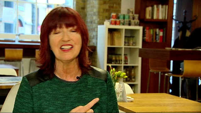 report on what she did for feminism england int janet streetporter interview sot in her whole time in office she only appointed one woman to the... - janet street porter video stock e b–roll