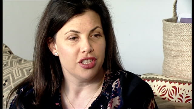 report on what she did for feminism kirstie allsopp interview sot remember coming home from school in car and hearing on radio we had a lady prime... - kampf der geschlechter konzept stock-videos und b-roll-filmmaterial