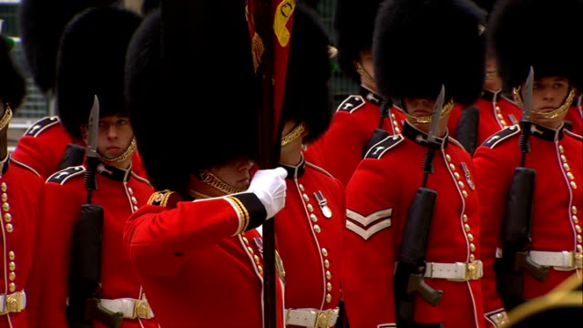 margaret thatcher funeral 1000 1100 chelsea pensioners on steps zoom out guard of honour / welsh guards int coffin in st clement danes church /... - guard of honour stock videos and b-roll footage