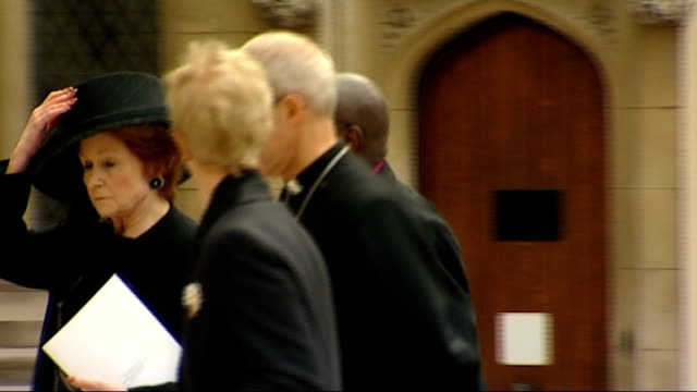 margaret thatcher funeral: guildhall reception; england: london: guildhall: ext singer katherine jenkins arriving to attend a reception following the... - carol singer stock videos & royalty-free footage