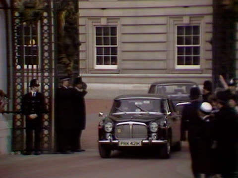 margaret thatcher leaves buckingham palace after winning the 1979 general election - buckingham palace stock videos & royalty-free footage