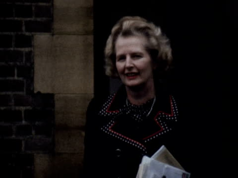 Margaret Thatcher leaves her home on the day of the Tory party leadership vote 1975