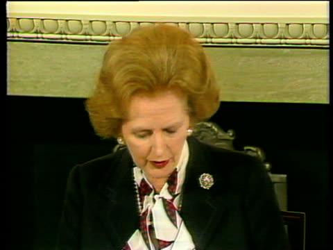 margaret thatcher prime minister speaking about signing the anglo irish agreement hillsborough castle; 15 nov 85 - 月経前緊張症候群点の映像素材/bロール
