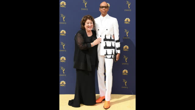 vídeos de stock, filmes e b-roll de margo martindale and rupaul attend the 70th emmy awards at microsoft theater on september 17 2018 in los angeles california - 70th annual primetime emmy awards